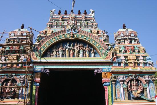 Madurai Detail van de gevel boven de ingangspoort  IMG_6598.jpg