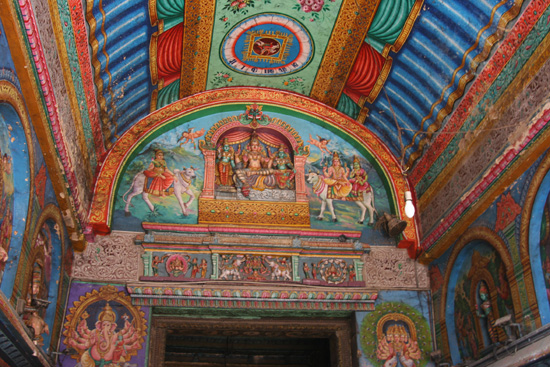 Madurai Prachtige plafonds in groot deel van het complex IMG_6601.jpg