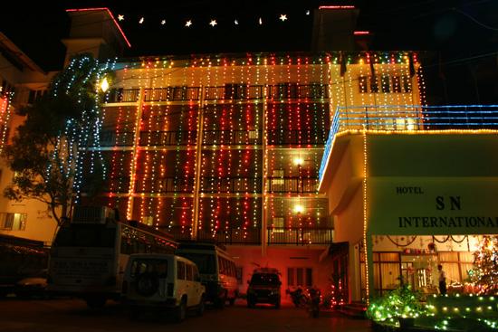 Periyar Versierde gevel van ons hotel in Thekkadi wegens IMG_6959.jpg