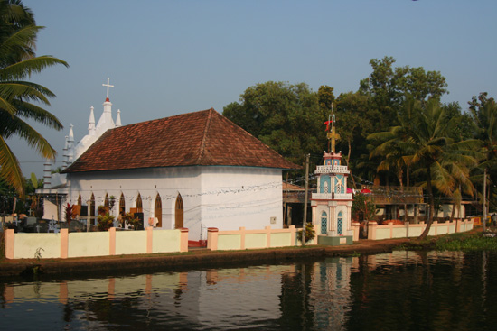 Backwaters Kerkje langs de Backwaters IMG_7191.jpg