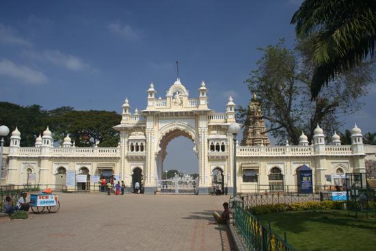 Mysore Ingang tot het Maharadja - paleis IMG_8155.jpg