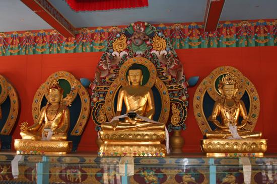 Madikeri Prachtig interieur van de Namdroling Monastry in Bylakuppe IMG_8269.jpg