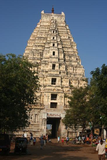 Hampi De Virupaksha tempel, een van de 45 tempels verspreid over 26 km� IMG_8762.jpg