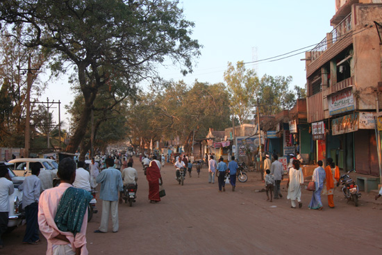 Badami Woon-werk verkeer in India gebeurt veelal te voet IMG_9239.jpg