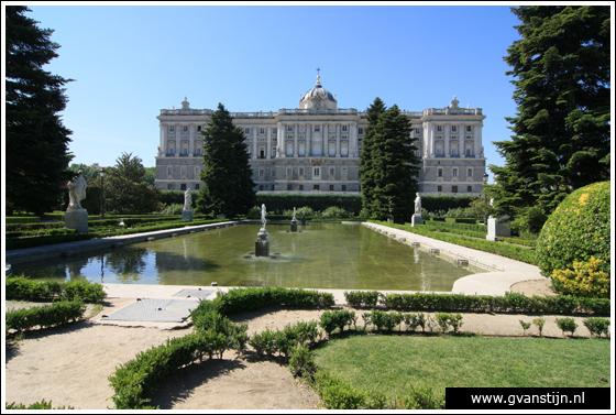 Madrid02 Royal Palace and Jardines de Sabatin 0230_6665.jpg