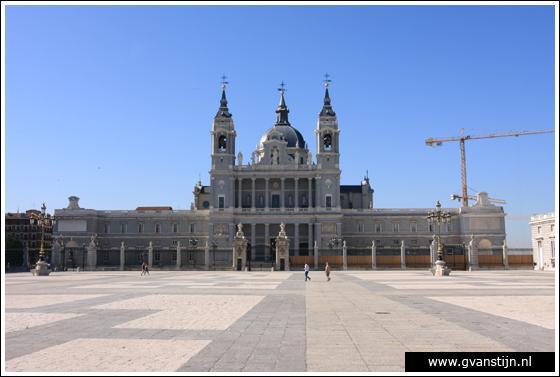 Madrid03 Catedral de Santa Maria La Real de Almudena near the Royal Palace 0270_6489.jpg
