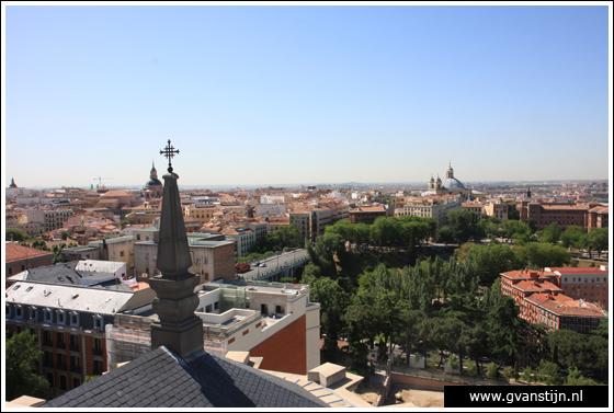 Madrid03 View from the roof of the Catedral de Santa Maria La Real de Almudena 0450_6559.jpg