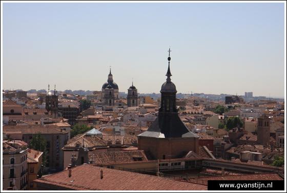 Madrid03 View from the roof of the Catedral de Santa Maria La Real de Almudena 0470_6566.jpg