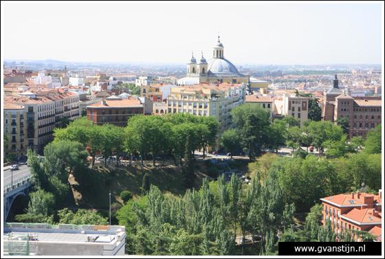Madrid03 View from the roof of the Catedral de Santa Maria La Real de Almudena 0480_6570.jpg