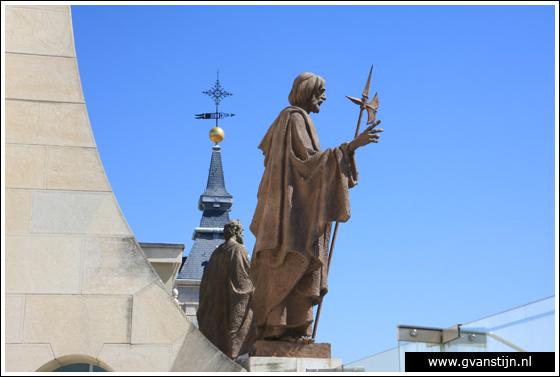 Madrid03 View from the roof of the Catedral de Santa Maria La Real de Almudena 0490_6571.jpg