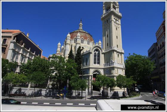 Madrid05 Esquella de Agire at Calle de Alcal� 0990_6293.jpg