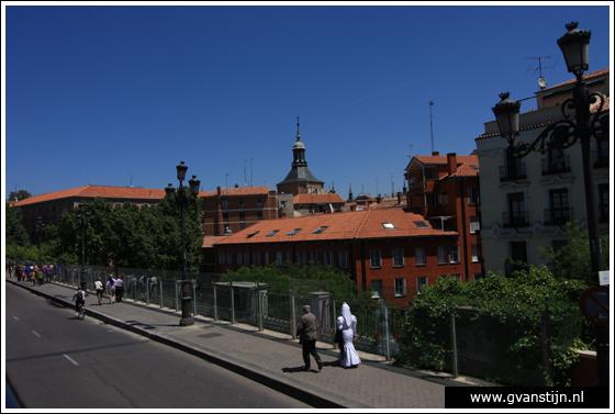 Madrid06 Calle de Segovia near Royal Palace 1070_6342.jpg