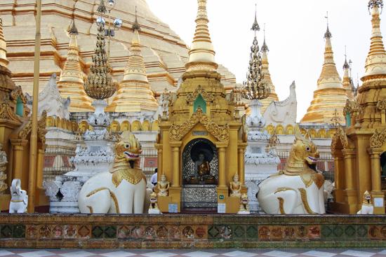 Yangon1 Yangon - Shwedagon pagode   0130_4898.jpg