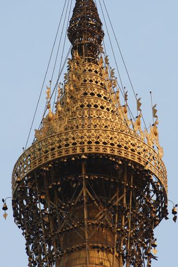 Yangon1 Top van de toren (98 m)   0180_4913.jpg