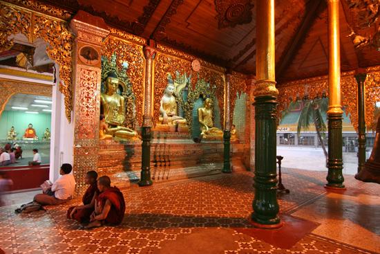 Yangon1 Yangon - Shwedagon pagode   0210_4747.jpg