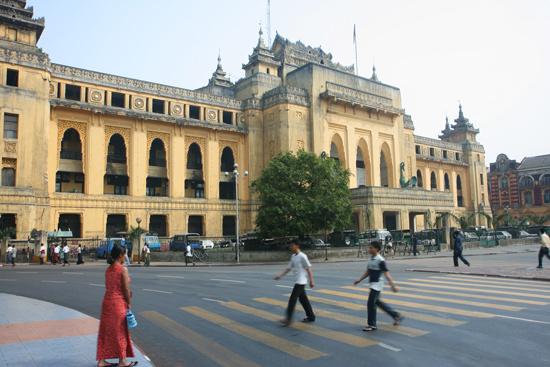 Yangon2 Stadhuis van Yangon   0305_4787.jpg