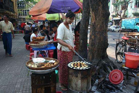 Yangon2 Yangon centrum   0410_4847.jpg
