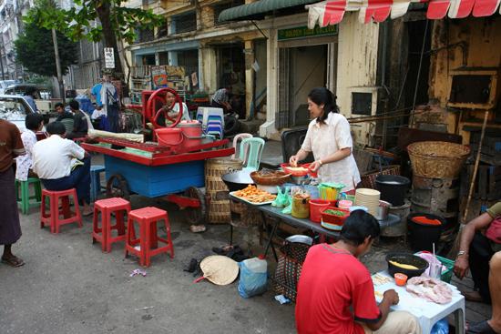 Yangon2 Yangon centrum   0470_4666.jpg