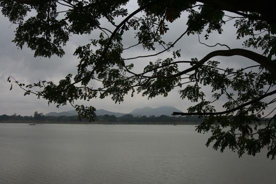Monywa1 Monywa - Chindwin River   1430_5815.jpg