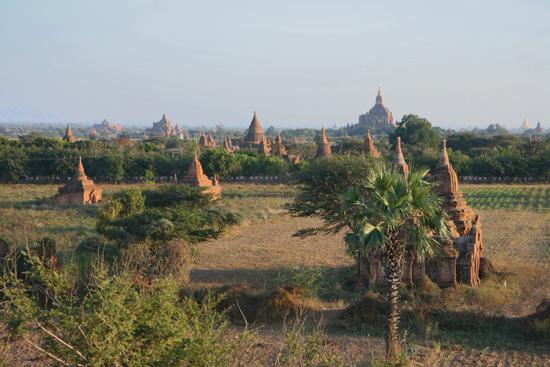 Bagan2 Bagan tijdens schemering   2170_6110.jpg