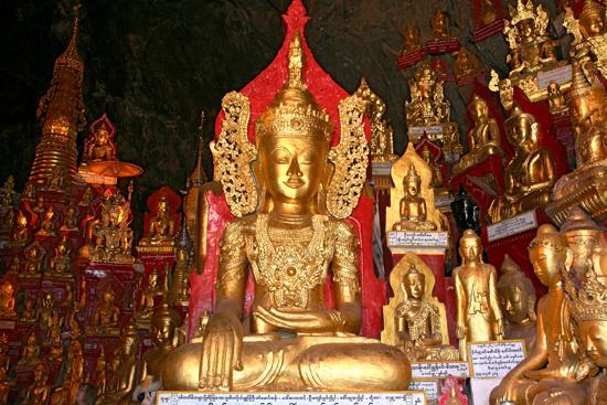 Pindaya Pindaya - De Pindaya Caves Meer dan 8.000 Boeddha afbeeldingen   2859_6830.jpg