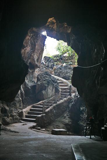 Inlemeer2 Inle meer Htup-Ein Small meditation Cave - meditatiegrot   3600_7678.jpg