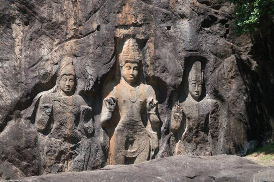 Buduruwagala statues - Wellawaya-1720