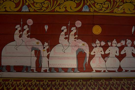 Kandy Tempel van de Tand  Muurschildering bij de ingang-2300