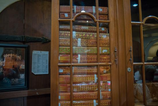 Kandy Tempel van de Tand  Eeuwenoude hand-geschreven boeken-2350
