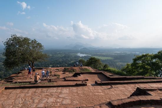 Sigiriya Leeuwenrots Prachtig uitzicht vanaf de top van de rots-2640