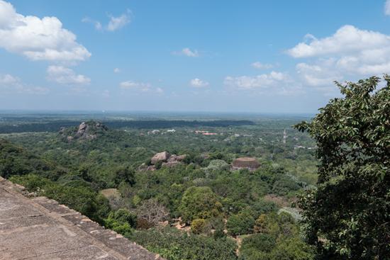 Mihintale - Anuradhapura  Uitzicht vanaf dakterras van de stupa-3200