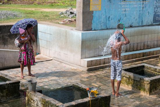 Trincomalee Kanniya-Warmwaterbronnen-4010