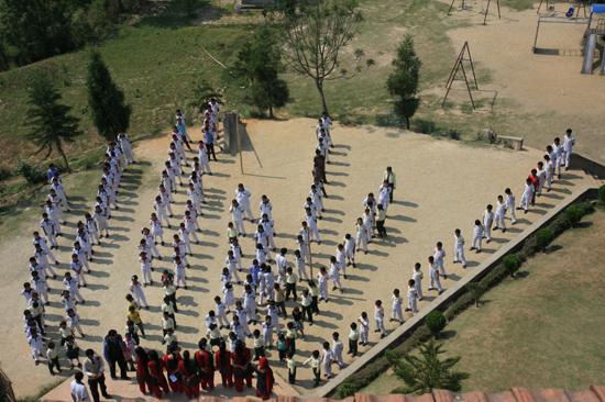 Leerlingen van de  Vajra Academy in de Kathmandu Vallei ondersteund door de Vajra Foundation Holland-0320