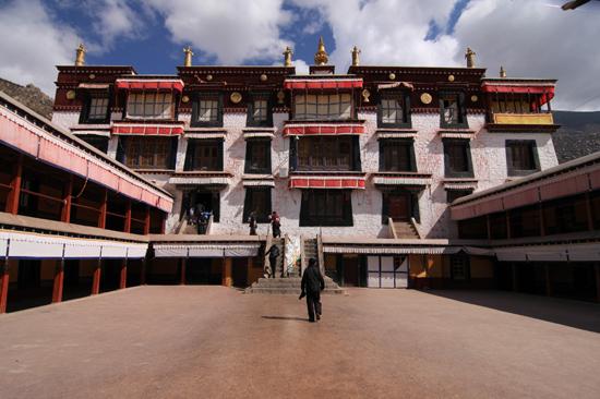 Drepung klooster - 8 km ten westen van Lhasa. Een van de grootste kloosters ter wereld (1416)-1080